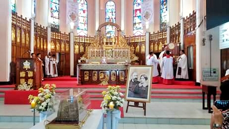 Relics of Saints Louis and Zelie Martin @ Baguio Cathedral