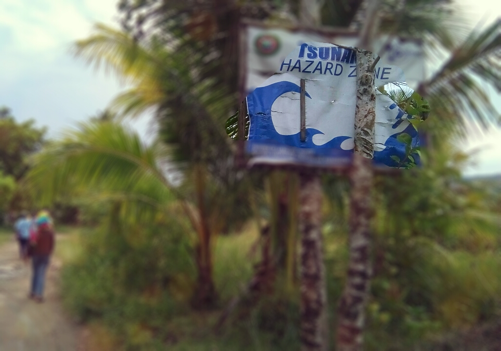 Tsunami warning sign board ©thecolorofred